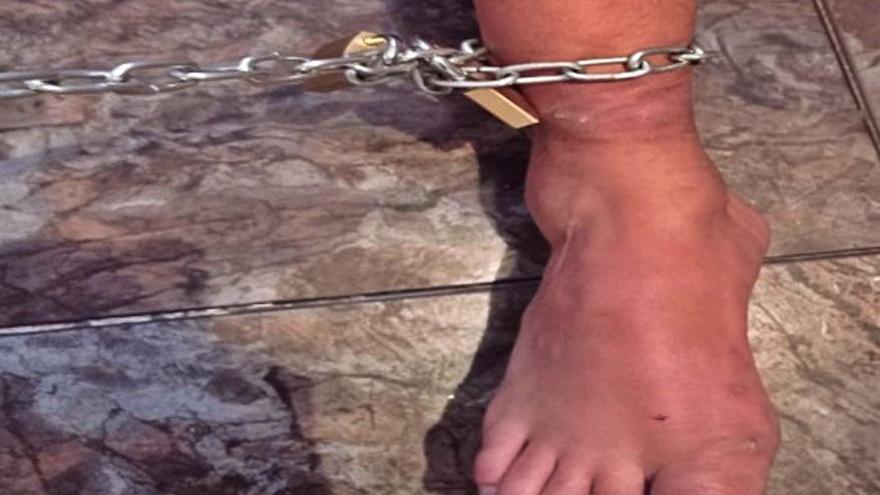 Detenidas tres personas en Madrid por encadenar a un familiar a la pared ocho días