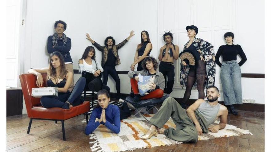 Dadá & Cía invita a la reflexión y la risa en el Aguere Cultural con 'Cabaret Banana'