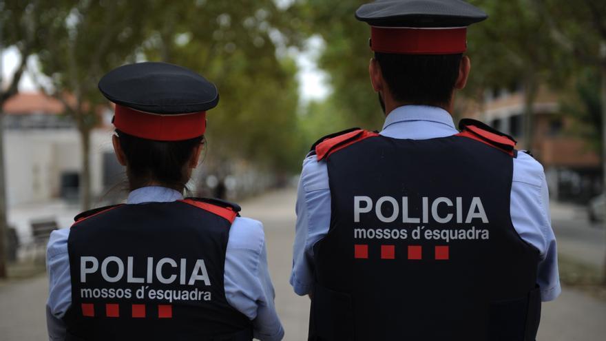 Els Mossos detenen dos homes per un robatori amb força en un habitatge de Portbou
