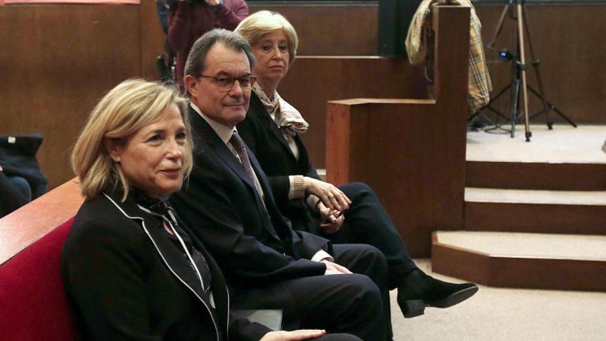La sentencia a Mas, Ortega y Rigau por el 9N se conocerá hoy a las 13 horas