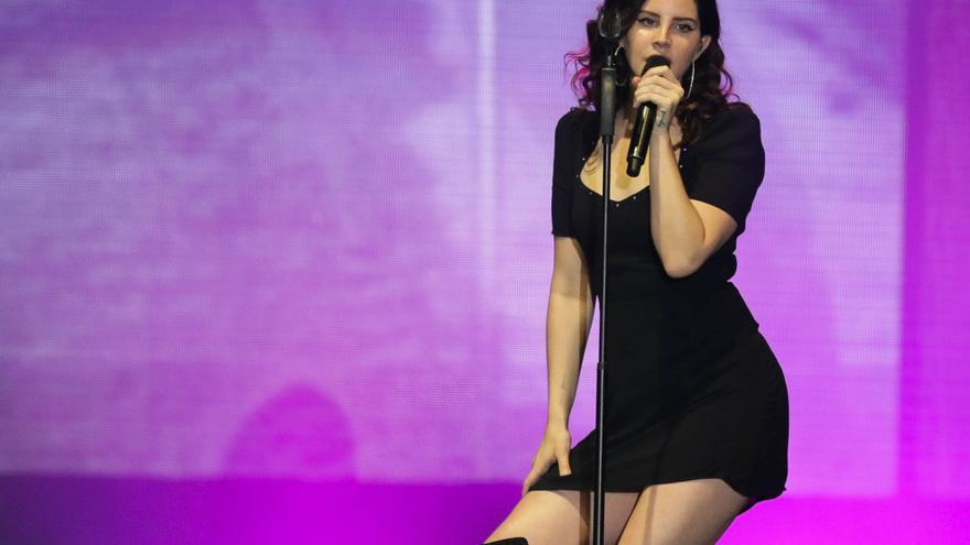 Lana del Rey lanzará el 22 de octubre su disco 'Blue Banisters'