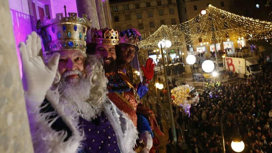 Drei-Königs-Umzug in Palma ohne Publikum aber mit Live-Übertragung