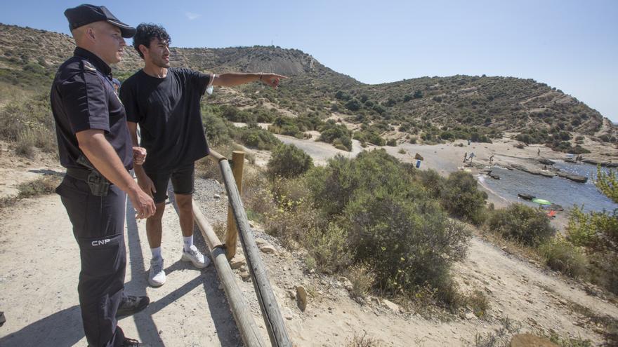 Nuevo rescate de un bañista con síntomas de ahogamiento en la cala Cantalar de Alicante