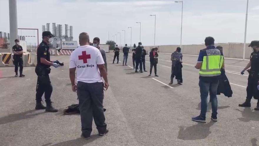 Llegan 7 pateras a la costa alicantina e interceptan a 90 inmigrantes