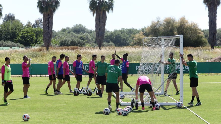 Parálisis en el Córdoba CF, salvo para el primer equipo