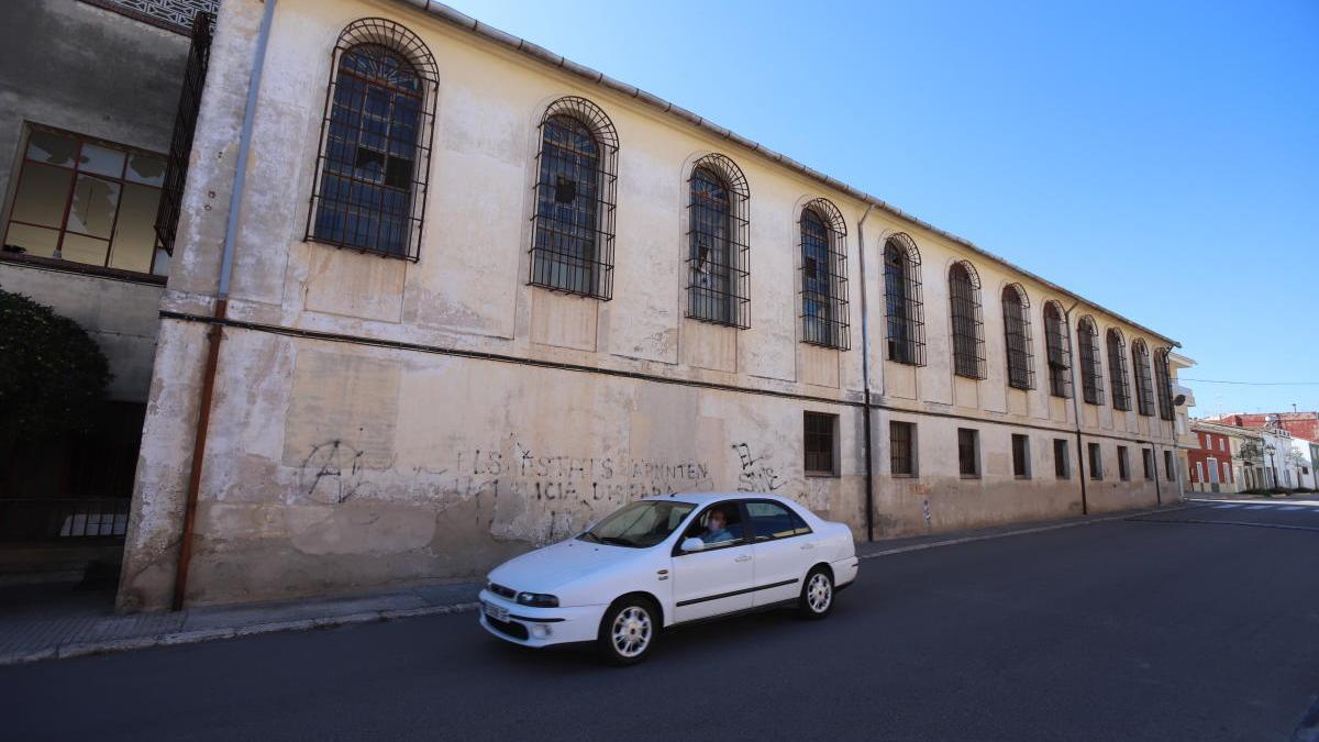 La antigua fábrica Lombard de Almoines, en una imagen de la semana pasada.