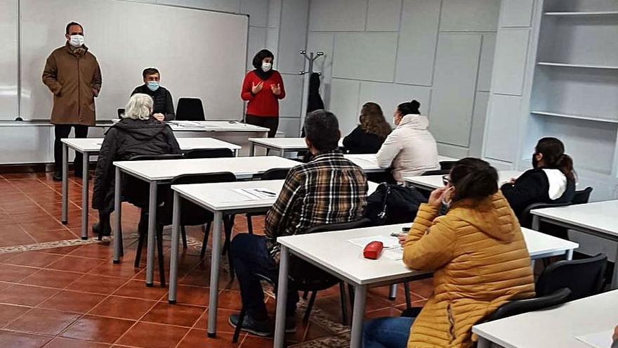 El Concello de Poio va a ofrecer un Aula Mentor para impartir cursos y formación telemática