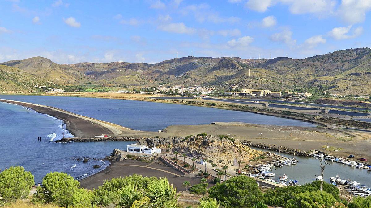 Panorámica de la bahía  de Portmán, objeto del  proyecto de recuperación.  l.o