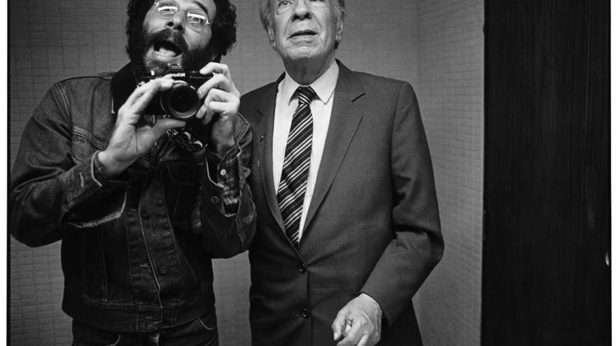 """Vasco Szinetar: """"La foto con Borges iluminó mi proyecto de retratos como una opción de vida"""""""