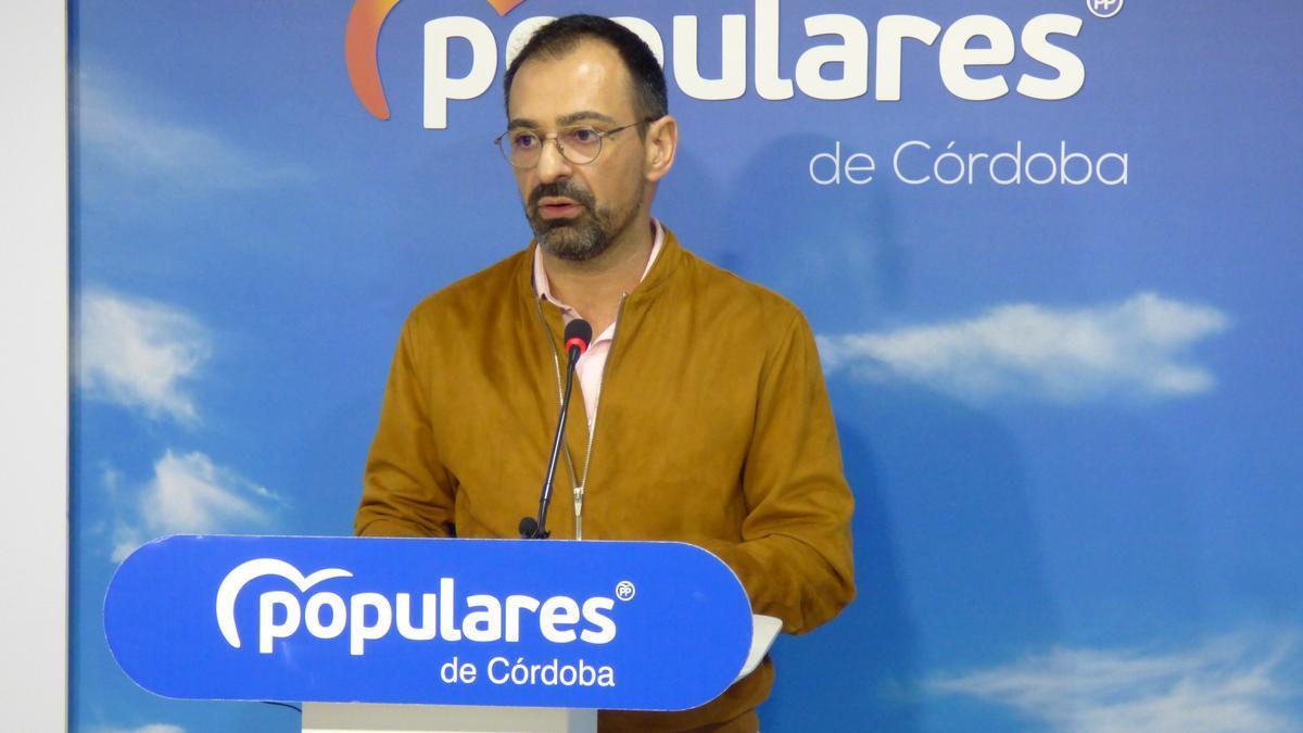 Félix Romero presenta las mociones para el pleno de la Diputación del miércoles.