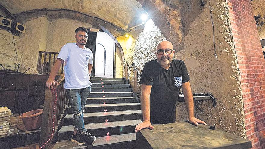 L'emblemàtic bar Gris del Barri Antic de Manresa reobrirà 13 anys després d'haver tancat