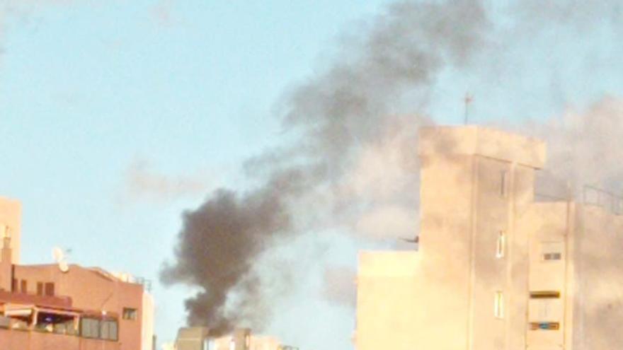 Bomberos intervienen en un conato de incendio en la calle La Noria