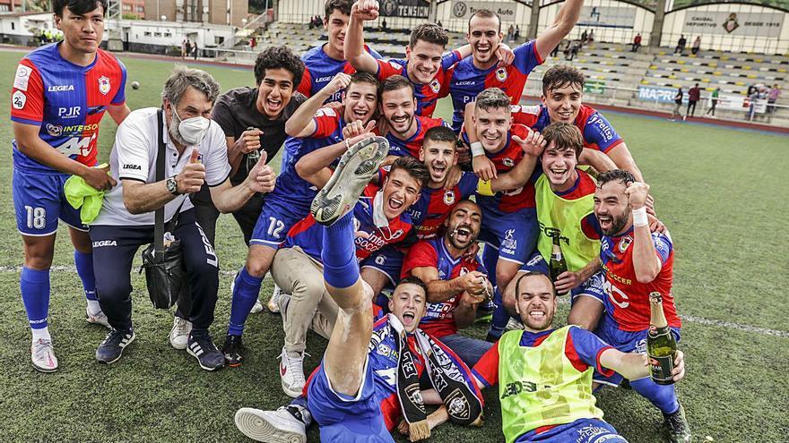Así fueron los últimos partidos en el fútbol asturiano: el Langreo B, a Tercera