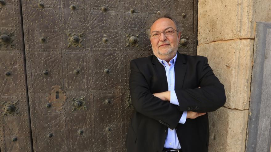 Arrestan a José Luis Vera, jefe de los servicios jurídicos de Divalterra, por facilitar los contactos