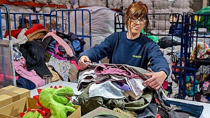 Humana recupera vuit tones de tèxtil per a donar-li una segona vida útil