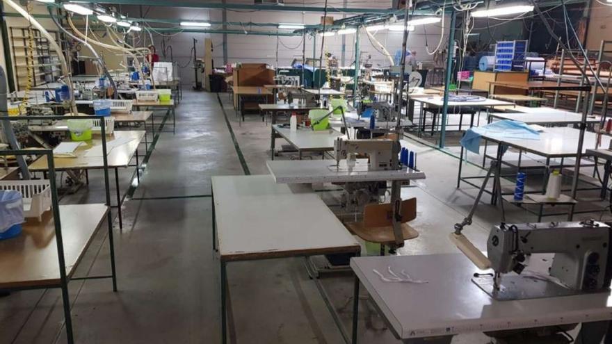 Aprobada una PNL de apoyo al sector textil sanitario de Alozaina y Cuevas Bajas