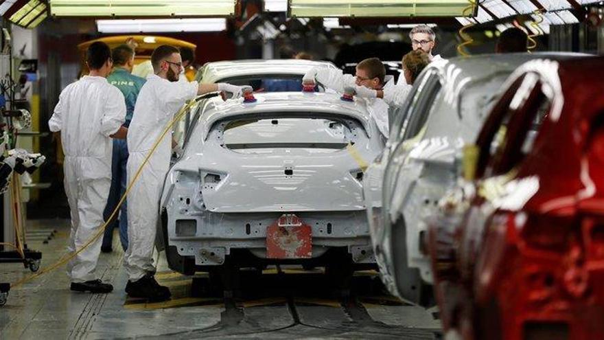 Renault estudia cerrar varias plantas en Francia