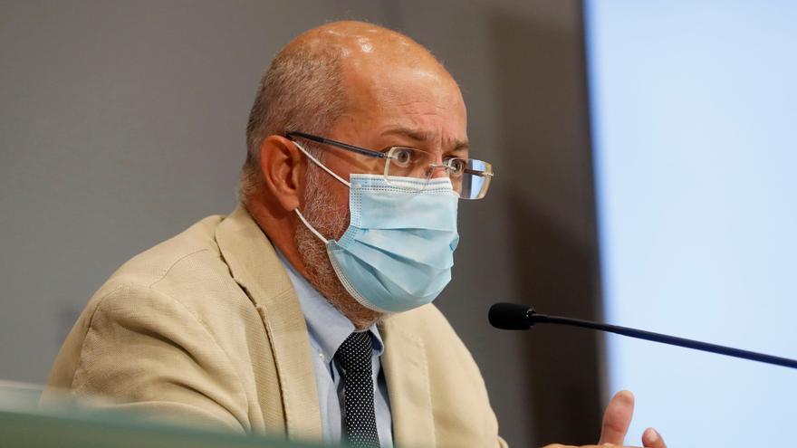 Castilla y León quiere extender la tercera dosis de la vacuna a los mayores en residencias
