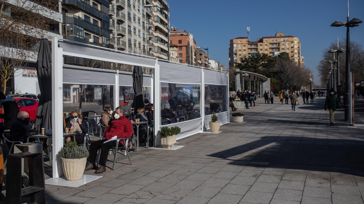 Terraza de un bar en Zamora en una imagen de archivo.