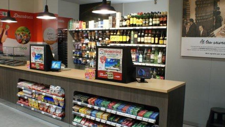 Roges Supermercats renova l'establiment Spar del carrer Saclosa de Manresa