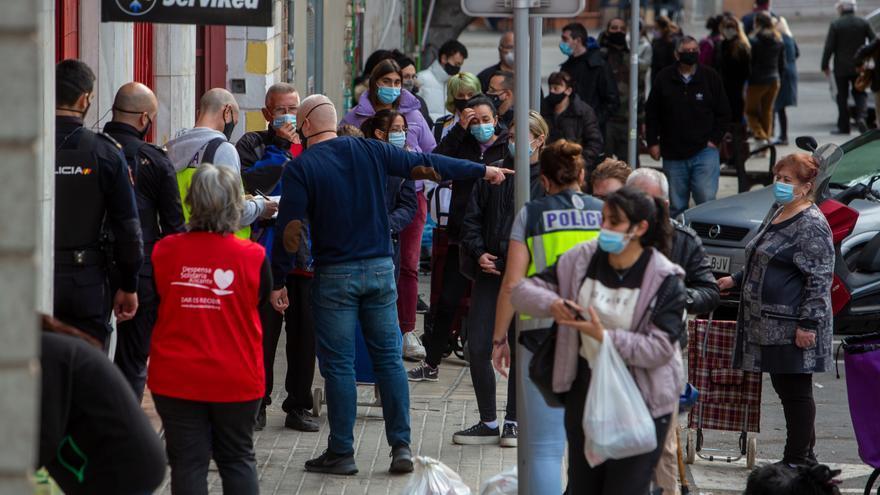 Compromís preguntará en el Pleno por las colas del hambre en Alicante