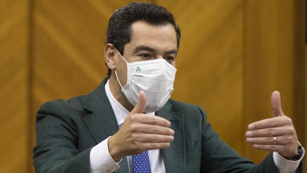 Juanma Moreno, en una imagen de archivo en el Parlamento andaluz.