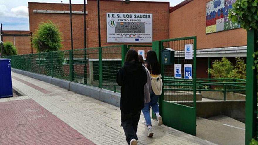 El IES Los Sauces de Benavente renovará sus accesos de cara al curso 2022-2023