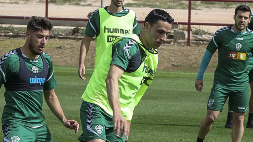 """Ramón Folch: """"Tenemos que intentar tener más el balón que el Rayo"""""""