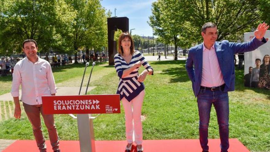 "Sánchez se compromete a fortalecer un autogobierno vasco ""transversal"""