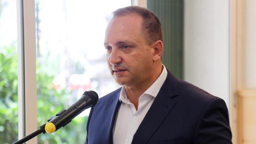 Dalmau denuncia presiones y amenazas por la política de vivienda del Consell