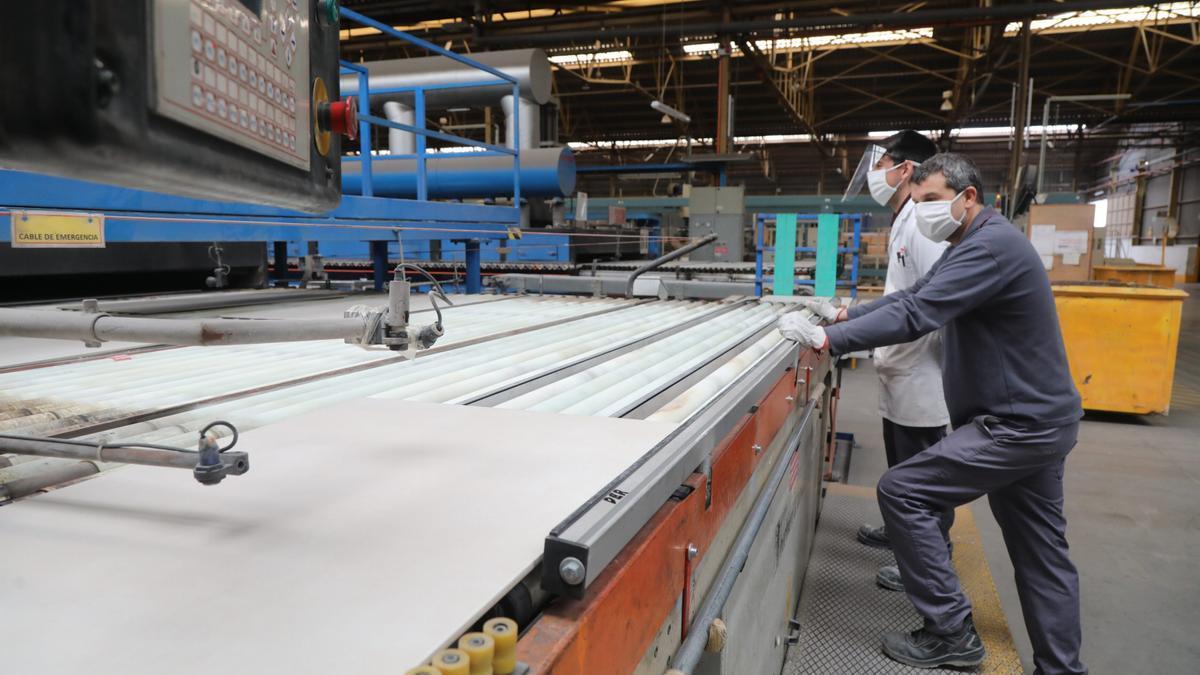 El incremento de los costes por emisiones reduce la competitividad de la cerámica de Castellón