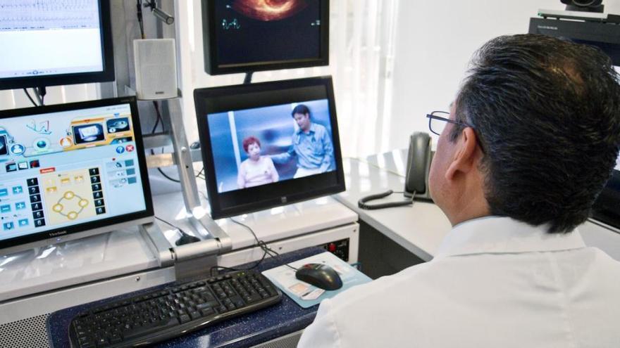 Sanidad prevé repartir todo el material para las videoconsultas en junio
