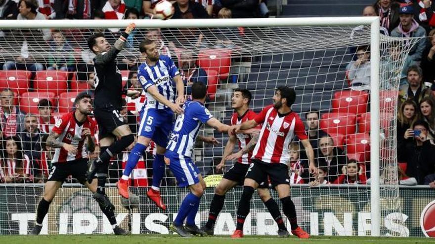 Athletic y Alavés firman un empate que no llena a ninguno