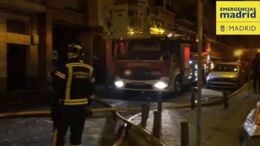 Un hombre se quema a lo bonzo y provoca un incendio en un piso de Madrid