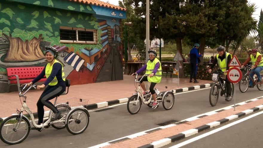 Las bicicletas también son para los adultos en Benidorm
