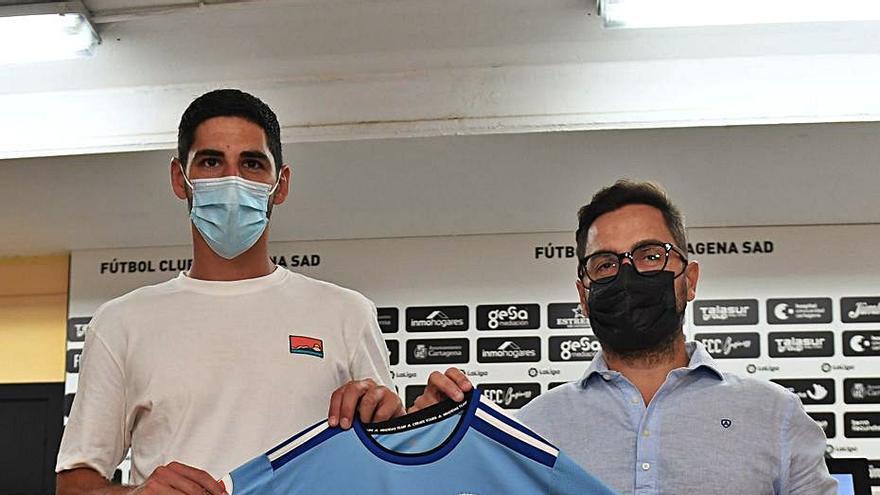 """Paco Belmonte: """"Estamos logrando un colectivo capaz de rendir durante 42 jornadas"""""""