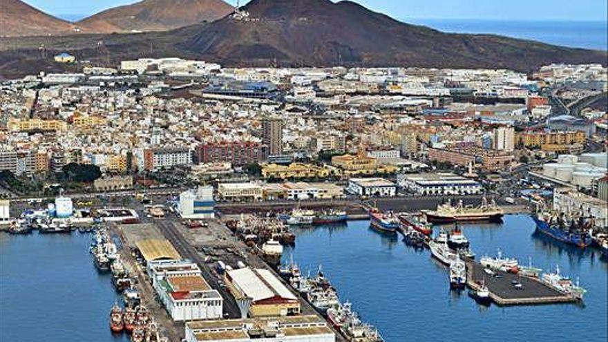 Los brotes en un pesquero y un carguero en la capital grancanaria suman 29 positivos