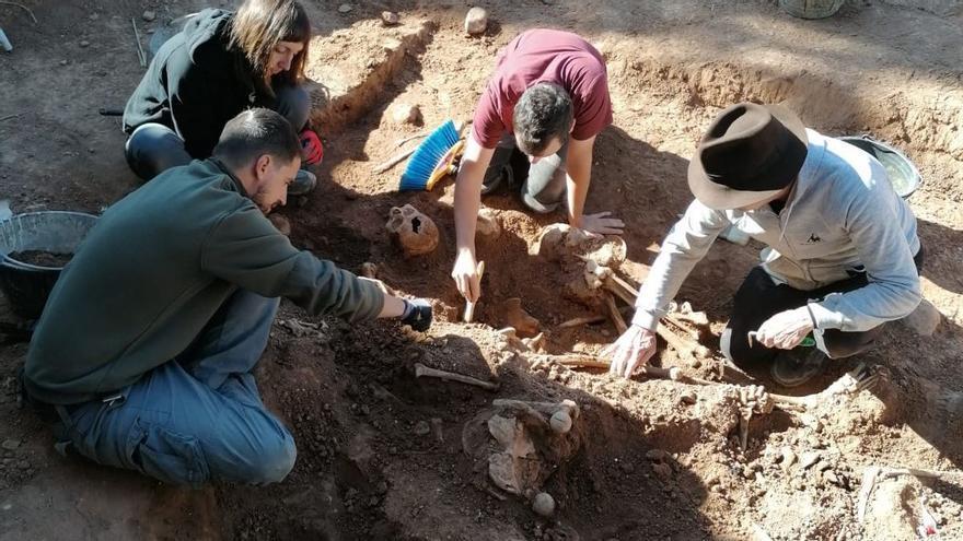 El abuelo de Serrat podría estar entre los 430 fusilados de las fosas de Belchite