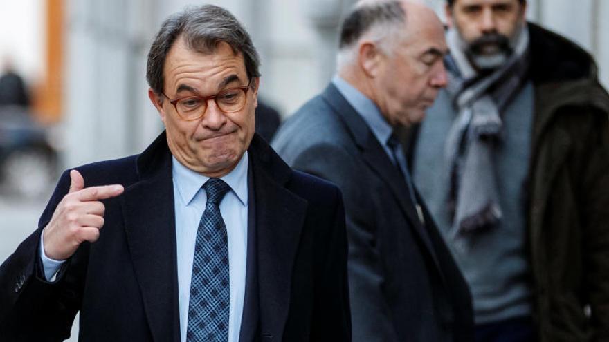 Condenan a Mas a pagar 5 millones
