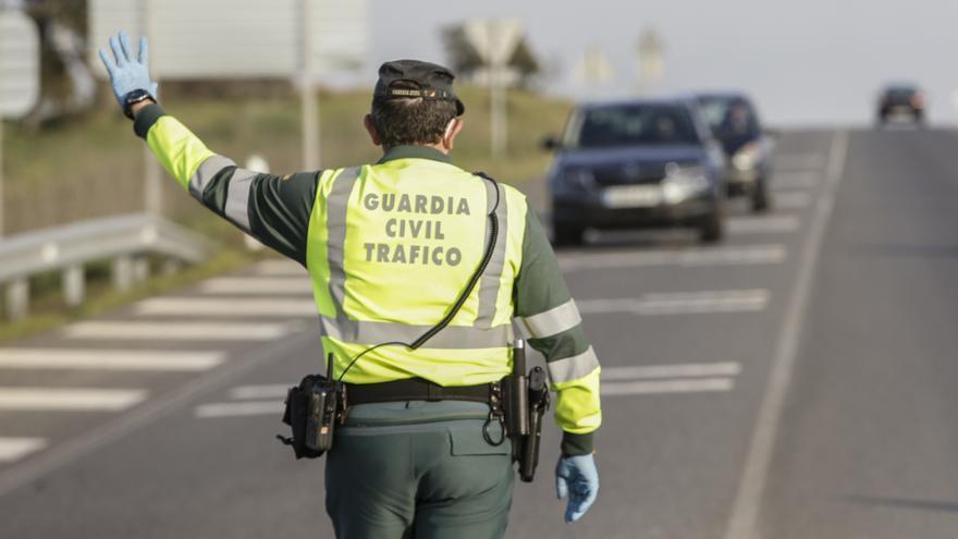Detenido por hacerse pasar por su hermano en un control de tráfico en Cáceres