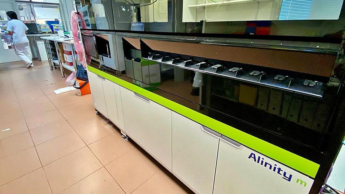 Un robot que ejecuta 300 resultados de PCR en ocho horas.// FDV