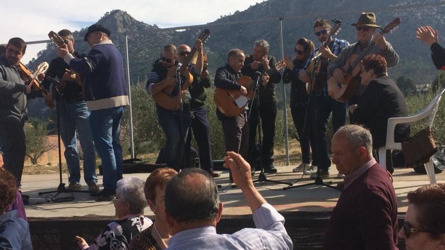 Casas Nuevas se pone folclórica con el encuentro de cuadrillas