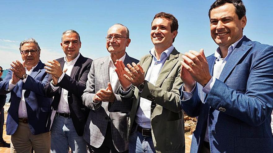 El PP aplaude; el PSOE baila