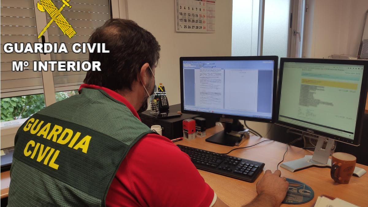 Agente de la Guardia Civil de Xàtiva, encargada del operativo