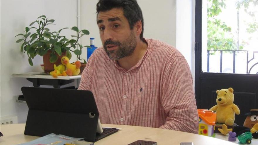 Rafael del Castillo garantiza que se seguirá prestando el servicio de ayuda a domicilio