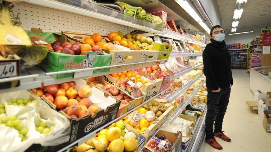 El cierre por concellos eleva las ventas de alimentación en los más pequeños