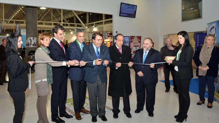 El alcalde de A Coruña inaugura la Feria de Muestras en su vigésimo aniversario