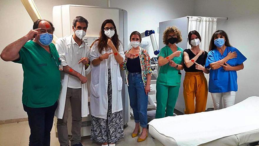 El hospital detecta 70 nuevos casos de melanoma en un año