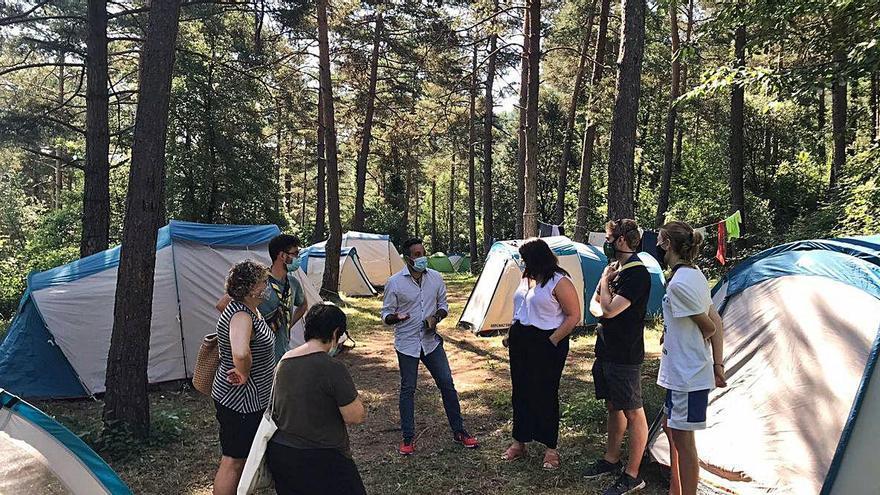 La directora de Joventut visita campaments del Berguedà