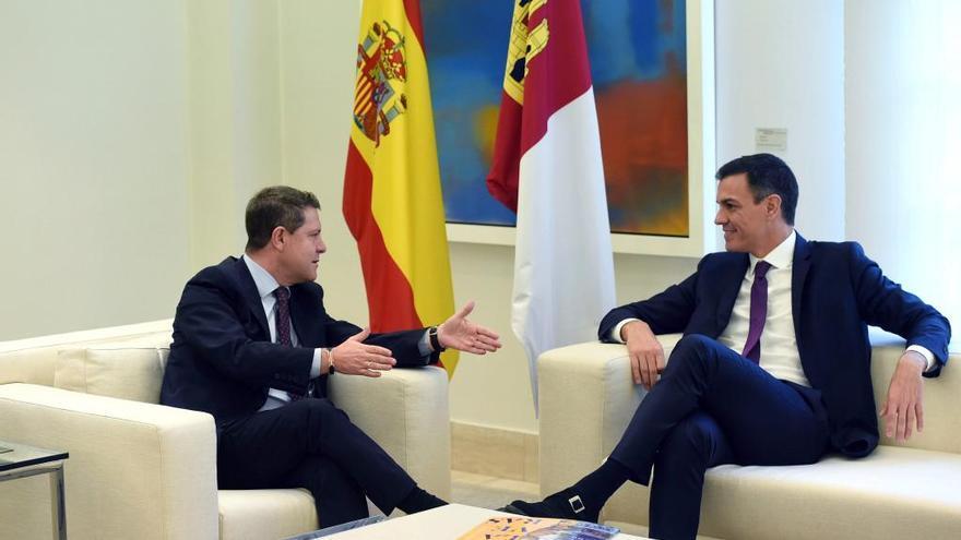 """Sánchez promete """"suavizar"""" el trasvase duplicando la capacidad de las desaladoras"""
